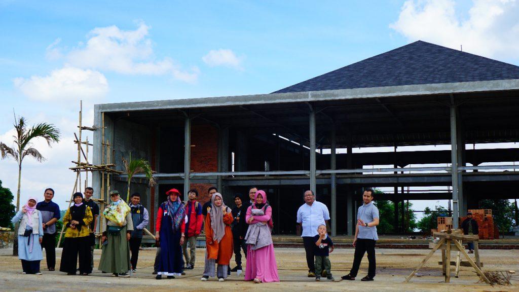Tim Yayasan Percikan Iman meninjau progress Masjid Percikan Iman